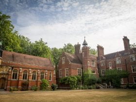 An image of Ridley Hall, affiliated with the University of Cambridge, linking to a page on Sir Christopher residential English summer camp